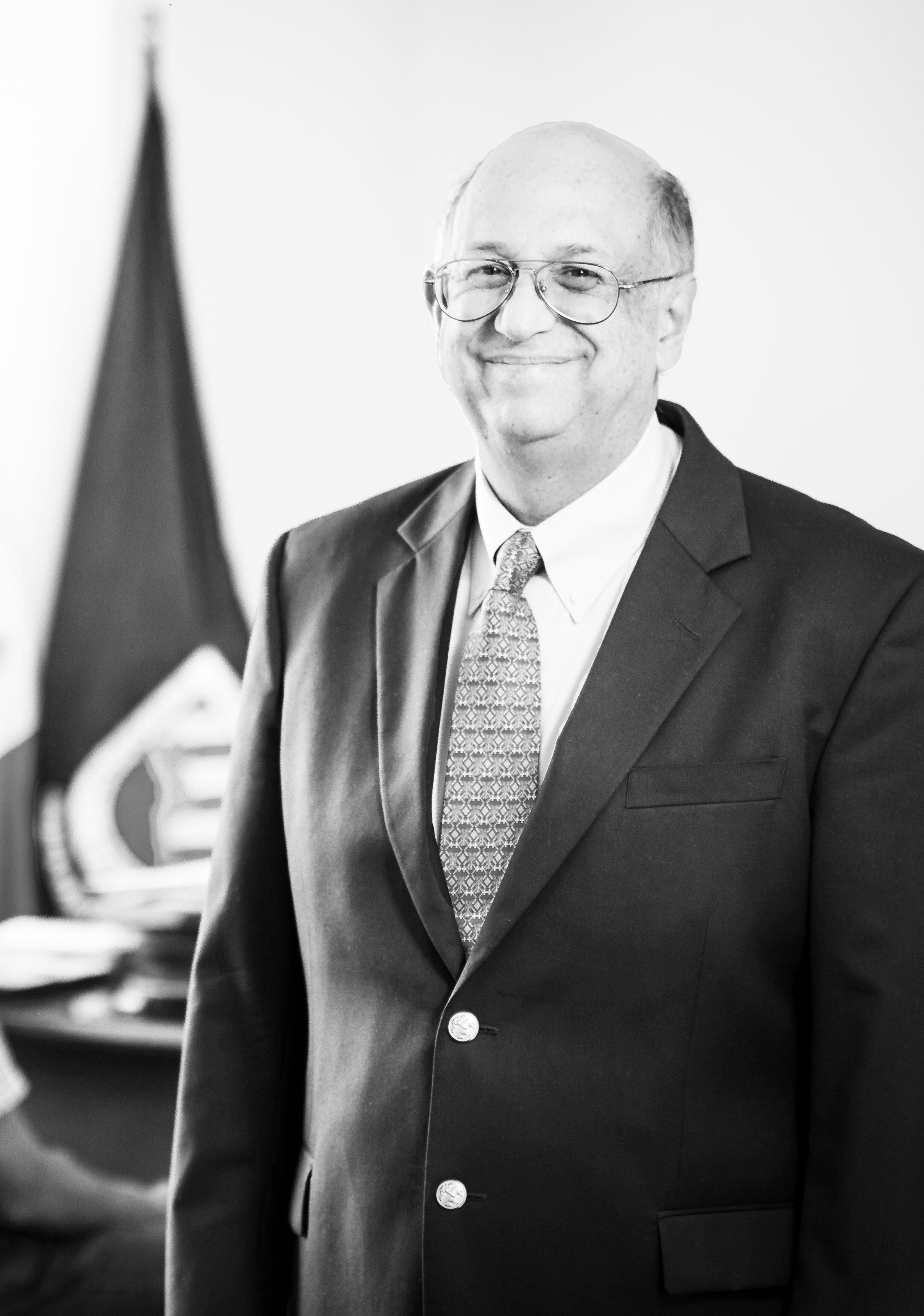 Ingeniero Manuel Ángel Pérez Lara Rector