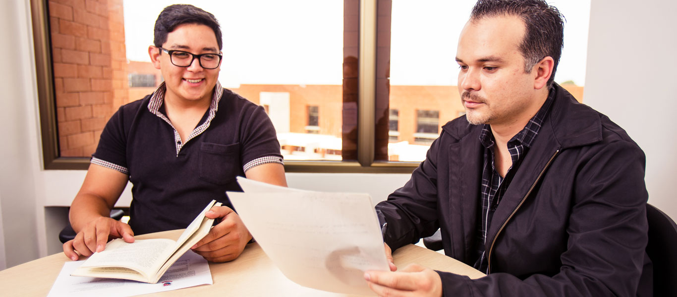 19-Asesoria-Academica-(hombre)